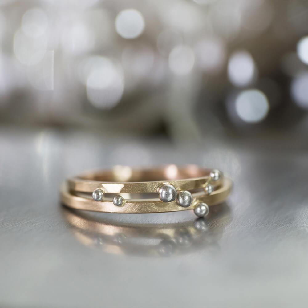 場面2 オーダーメイドマリッジリング ジュエリーのアトリエに指輪 ゴールド、プラチナ 屋久島の雨 屋久島で作る結婚指輪