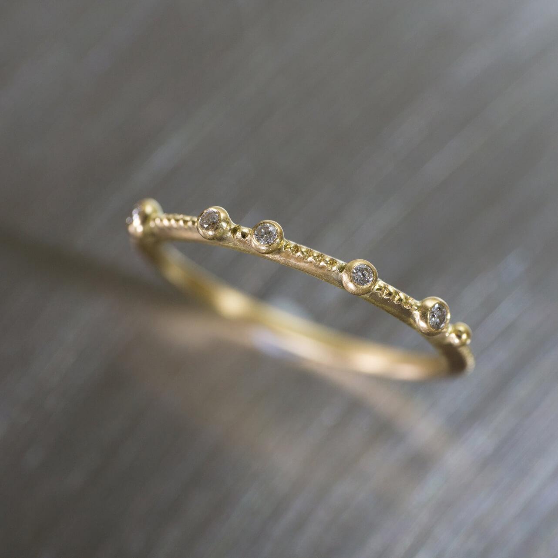 オーダーメイドエンゲージリング ジュエリーのアトリエに指輪 ゴールド、ダイヤモンド 屋久島で作る結婚指輪