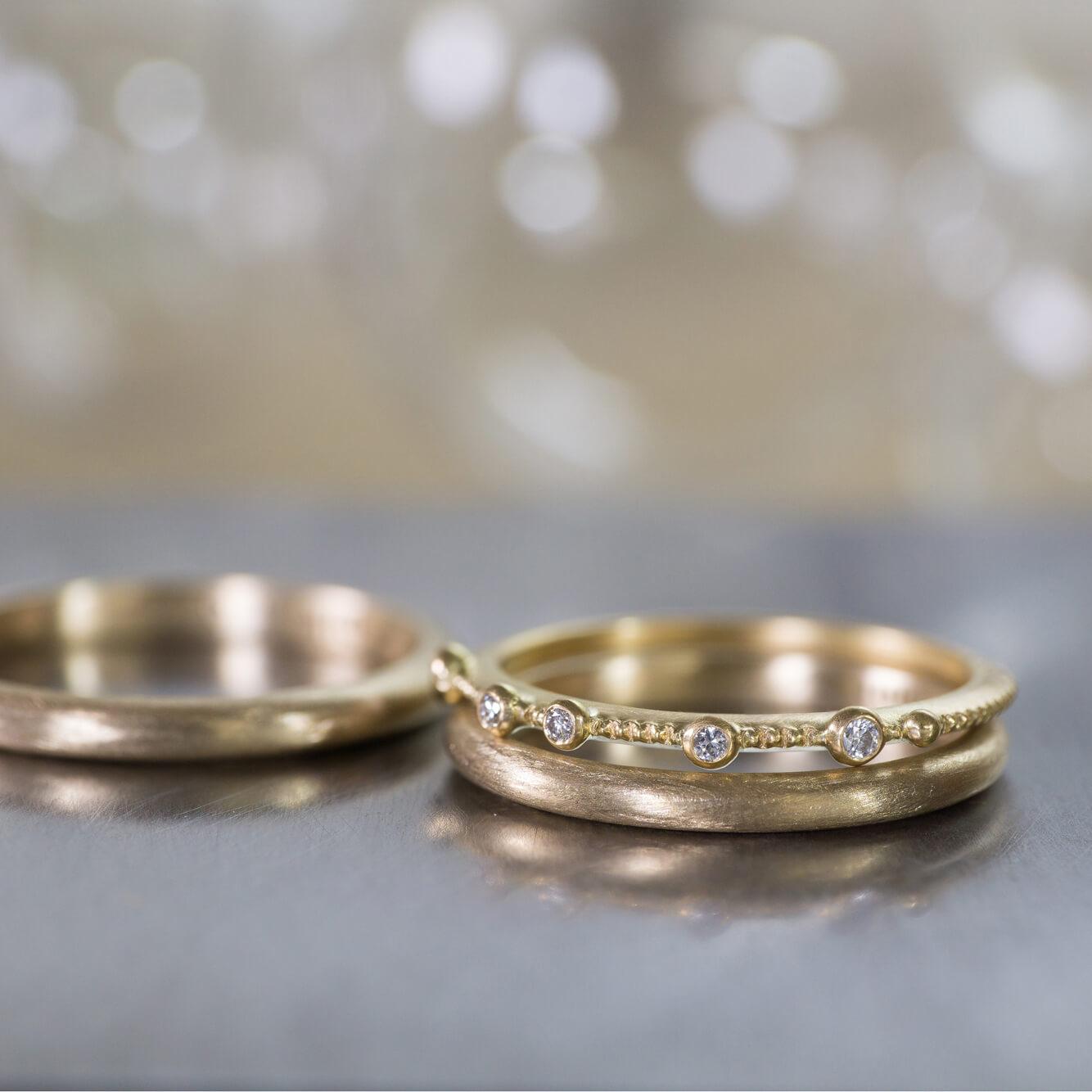 オーダーメイドマリッジリングとエンゲージリング ジュエリーのアトリエに指輪 ゴールド、ダイヤモンド 屋久島で作る結婚指輪