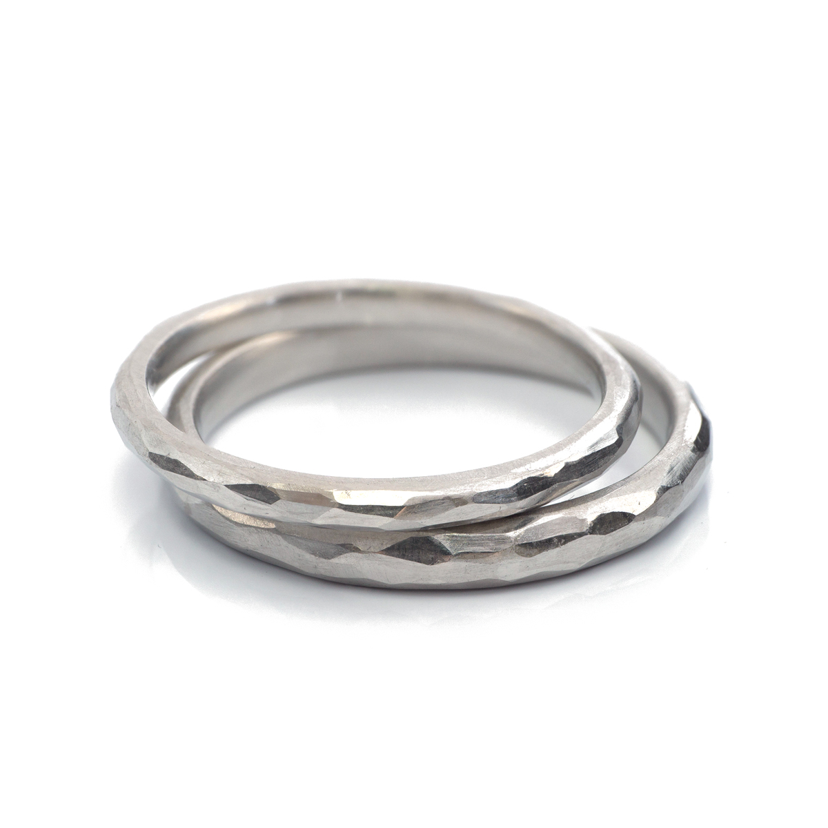 2.0mm and 2.6mm platinum  with hammered texture #屋久島でつくる結婚指輪
