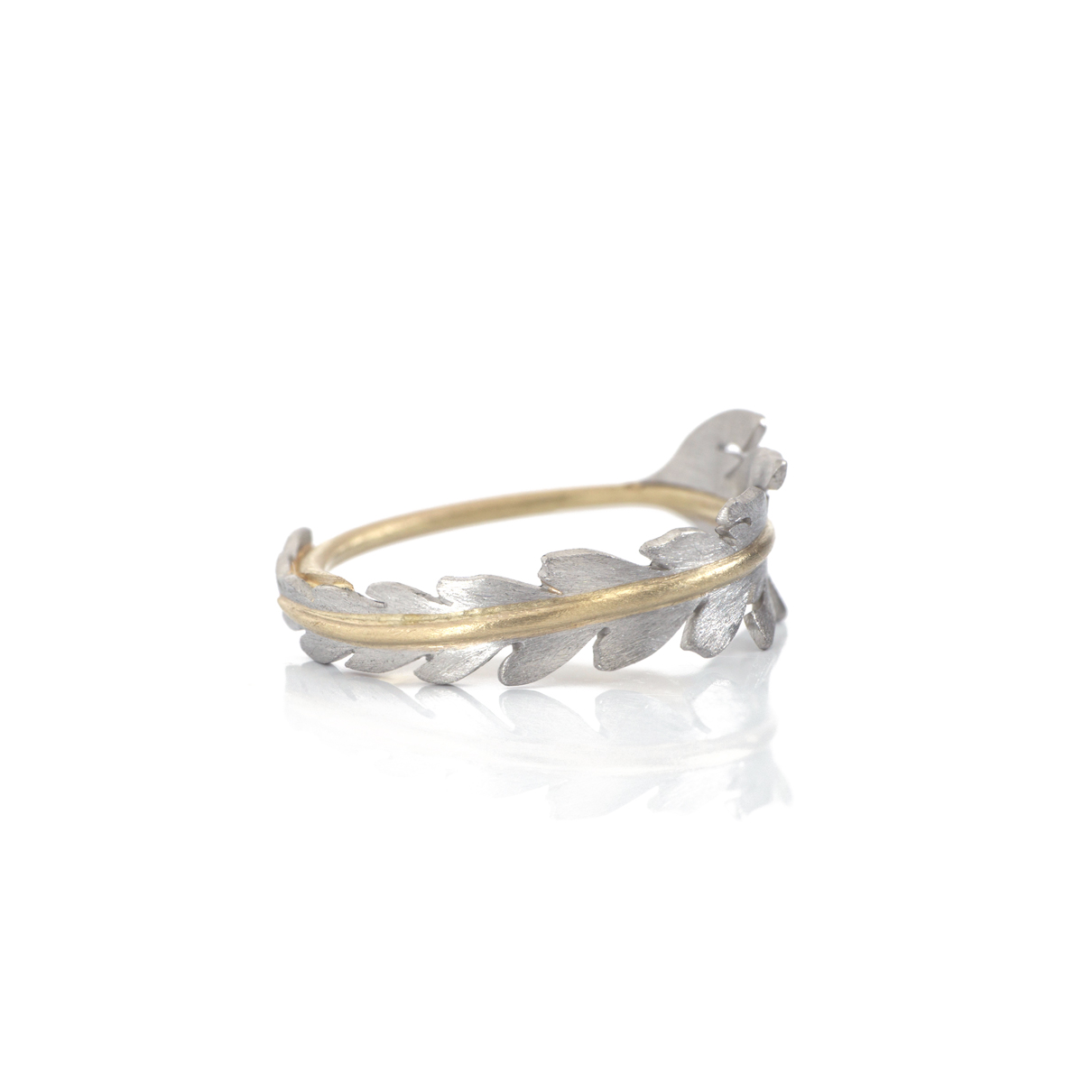 シダの指輪 fern ring in platinum and champagne gold