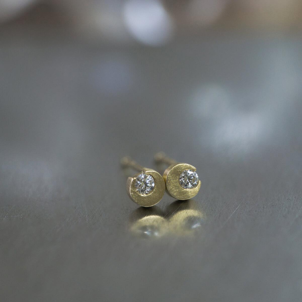 オーダーメイドピアス ジュエリーのアトリエ 屋久島の月モチーフ ダイヤモンド、ゴールド 屋久島でつくるジュエリー
