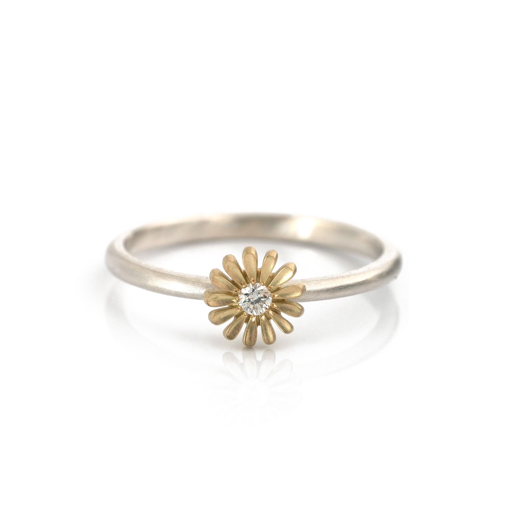 イエローゴールド ×ダイヤモンド×シルバー ツワブキの指輪