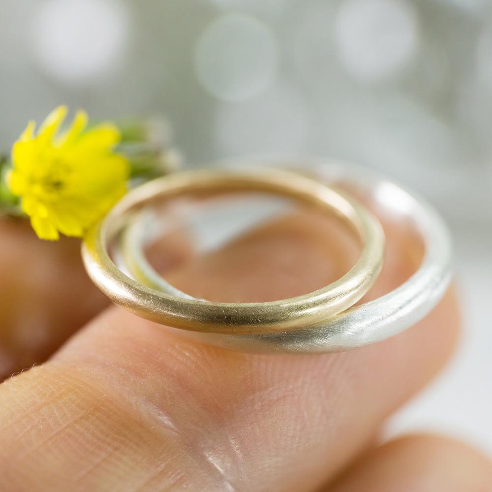 オーダーメイドマリッジリング 手のひらに乗せて 屋久島の花とともに シルバー、ゴールド 屋久島で作る結婚指輪