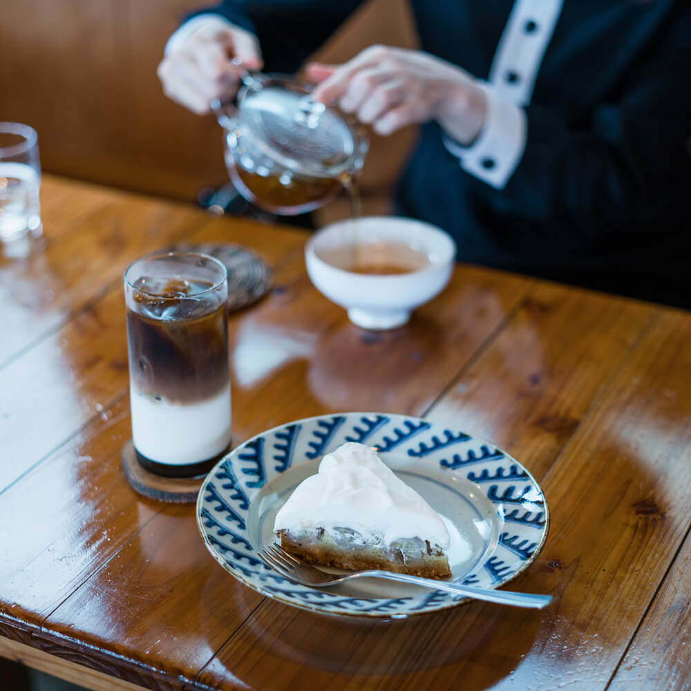 ケーキとコーヒー 屋久島日々の暮らしとジュエリー