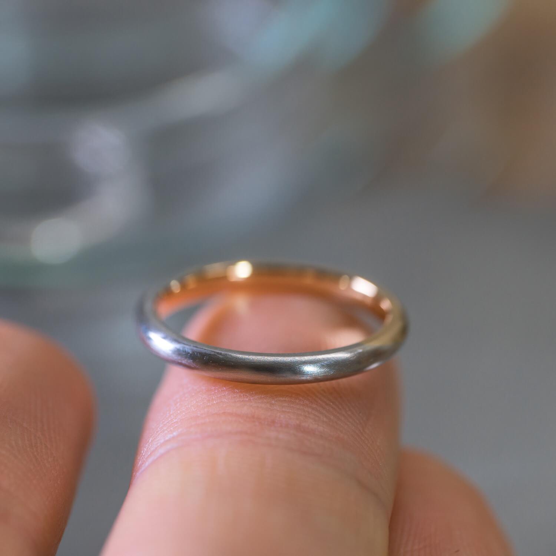 指の上 オーダーメイドマリッジリング ジュエリーのアトリエ プラチナ、ゴールド 屋久島でつくる結婚指輪