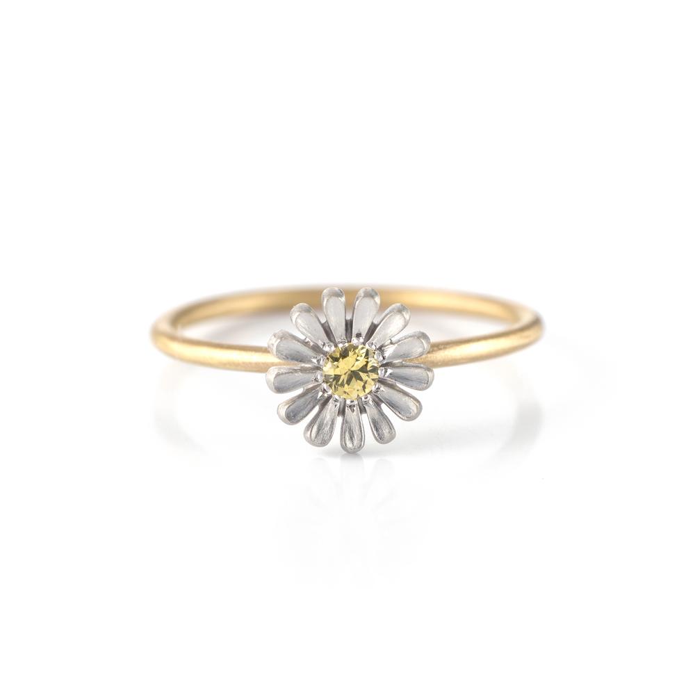 オーダーメイドエンゲージリング 白バック ゴールド 屋久島で作る婚約指輪