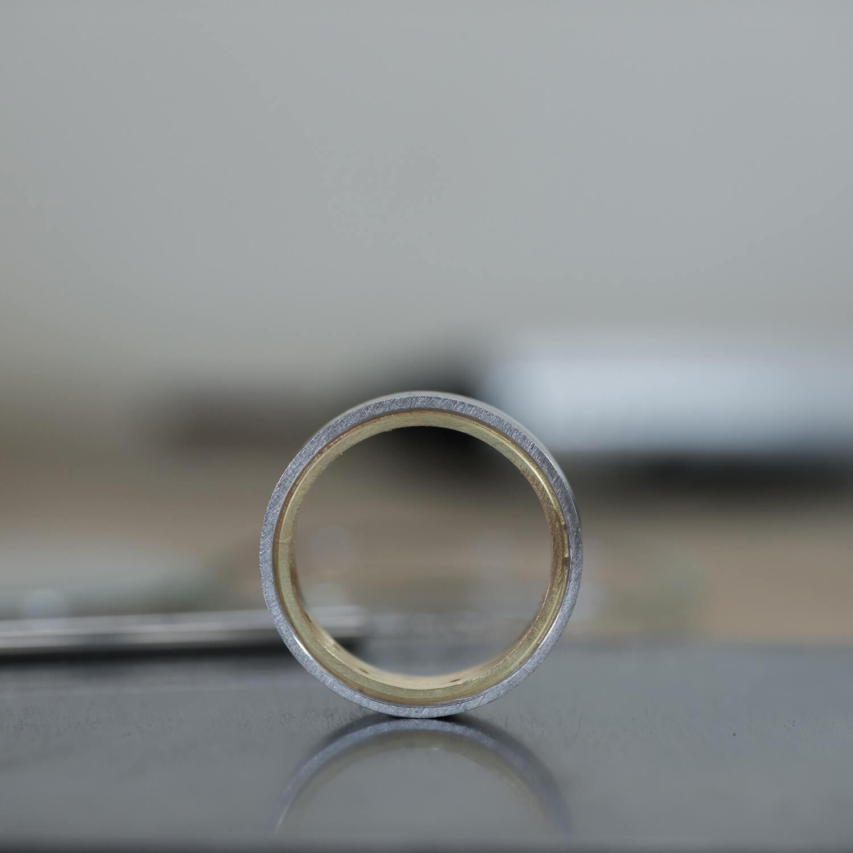 角度2 オーダーメイドマリッジリングの制作風景 ジュエリーのアトリエ プラチナ、ゴールド 屋久島でつくる結婚指輪