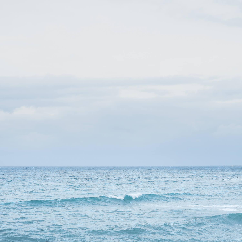 引いた構図 海と空、なみ 屋久島の海 海中 屋久島海とジュエリー オーダーメイドマリッジリングのモチーフ
