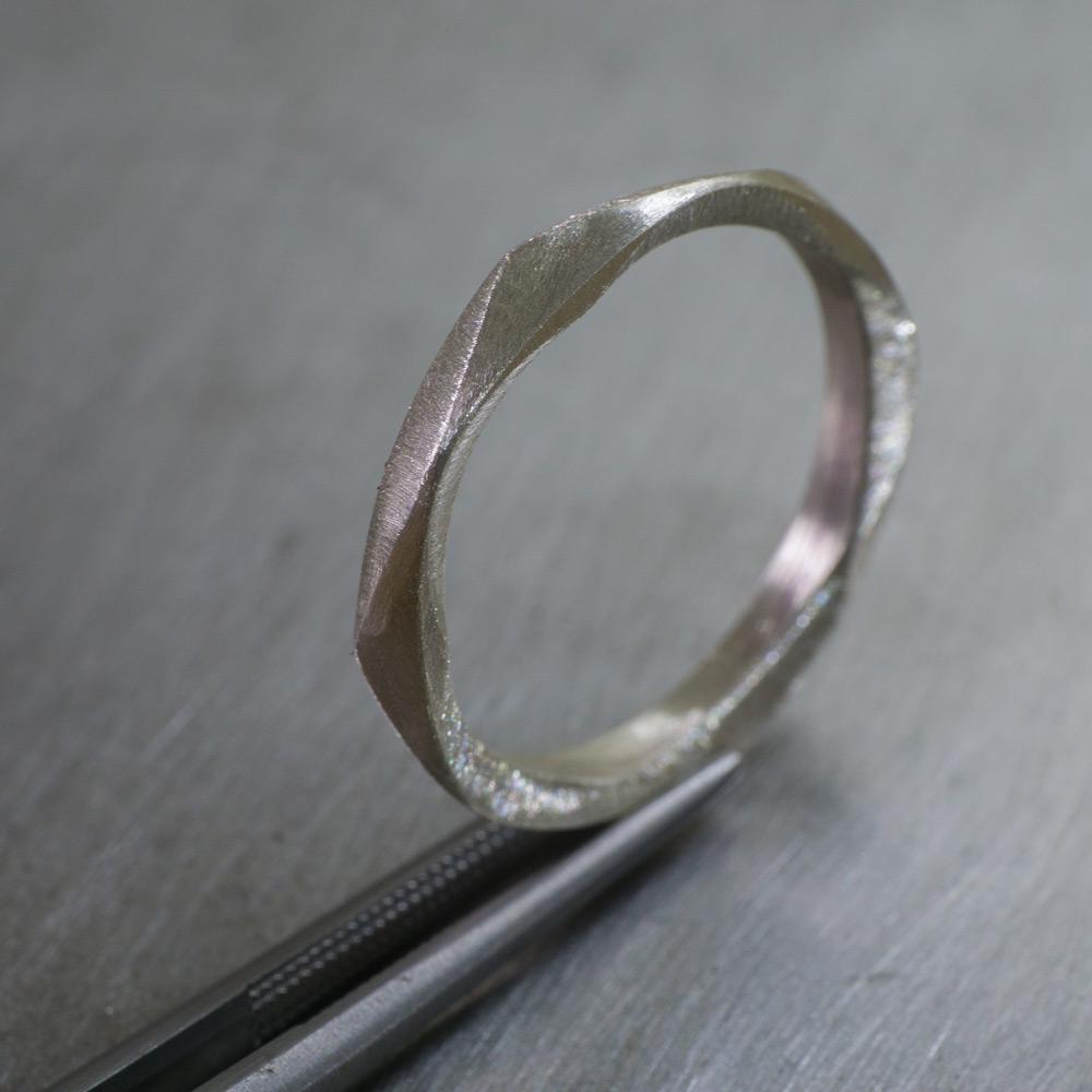 角度2 シルバーリング オーダーメイドマリッジリングのサンプル シルバー 幾何学模様 屋久島でつくる結婚指輪