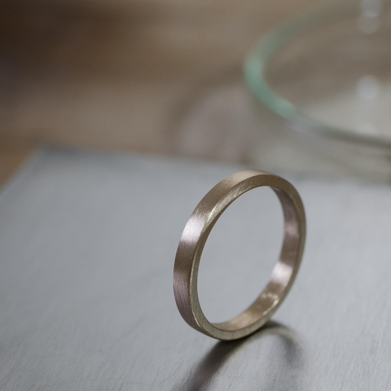 オーダーメイドマリッジリングの制作風景 屋久島ジュエリーのアトリエ ゴールド、指輪 屋久島でつくる結婚指輪