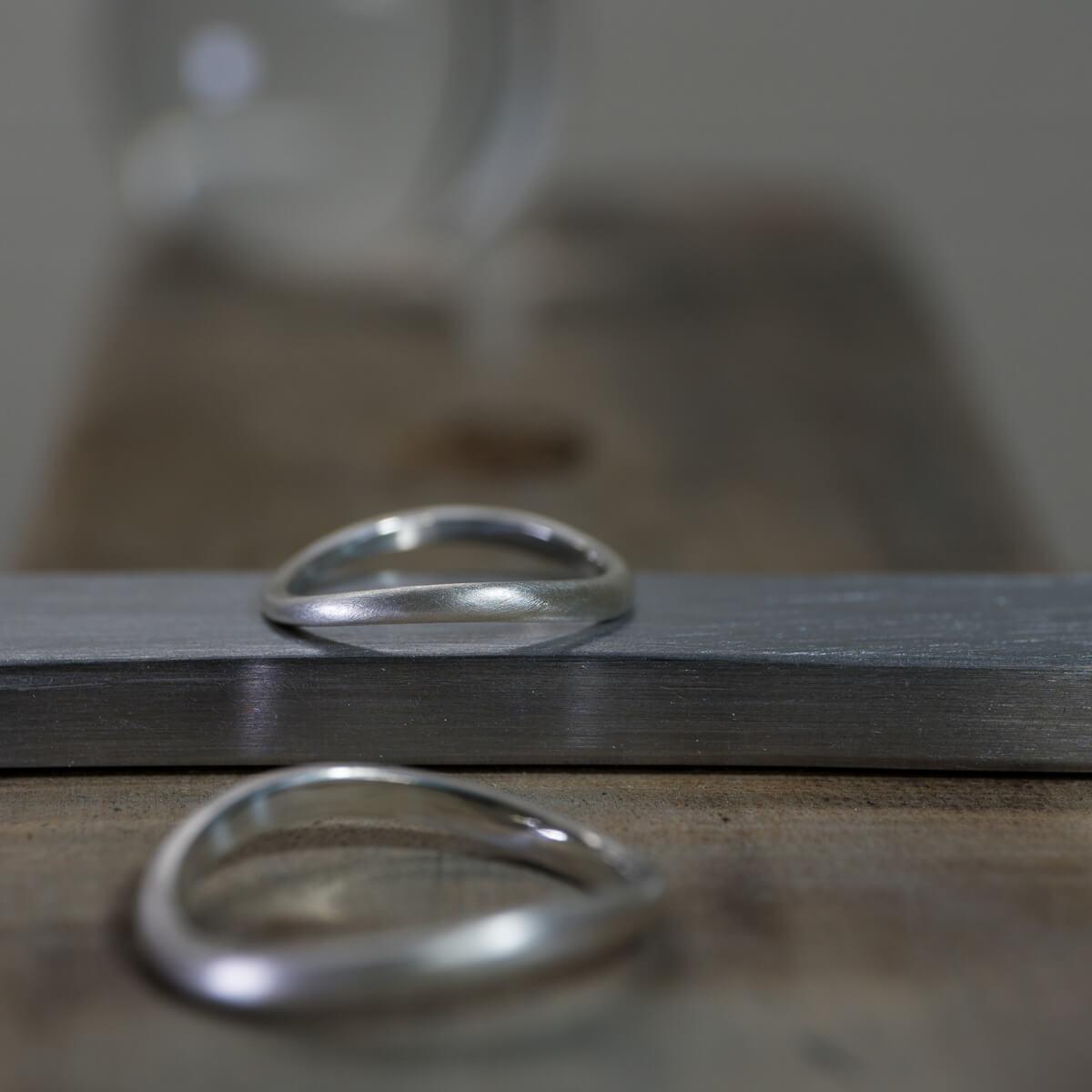 場面2 オーダーメイドマリッジリングのサンプル ジュエリーのアトリエ シルバー 屋久島でつくる結婚指輪