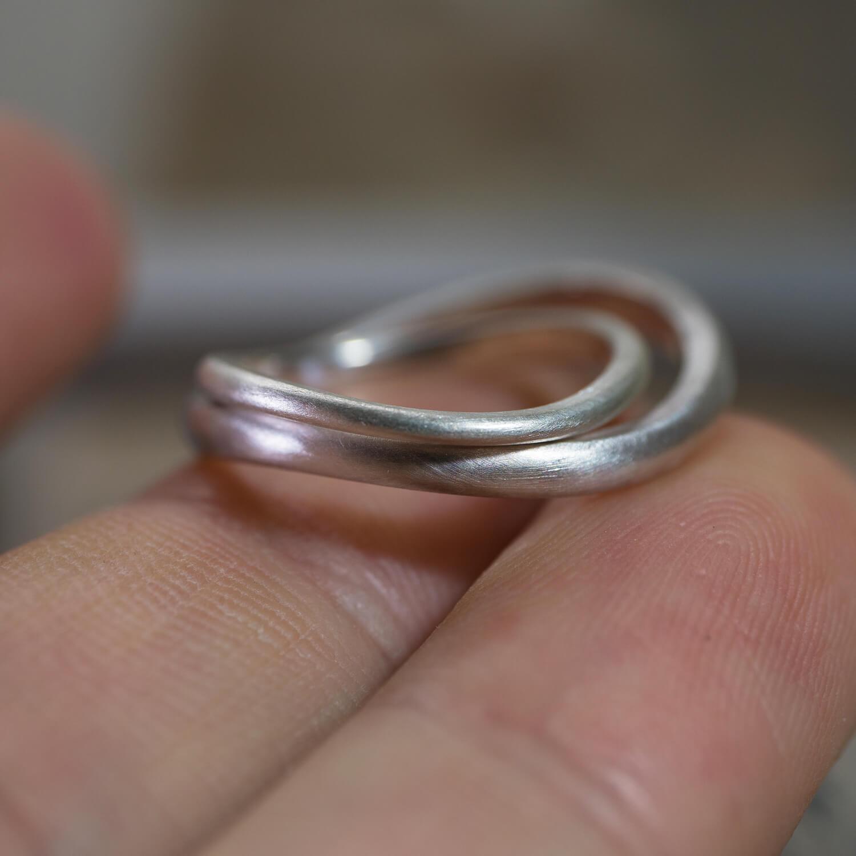 場面3 オーダーメイドマリッジリングのサンプル ジュエリーのアトリエ シルバー 屋久島でつくる結婚指輪