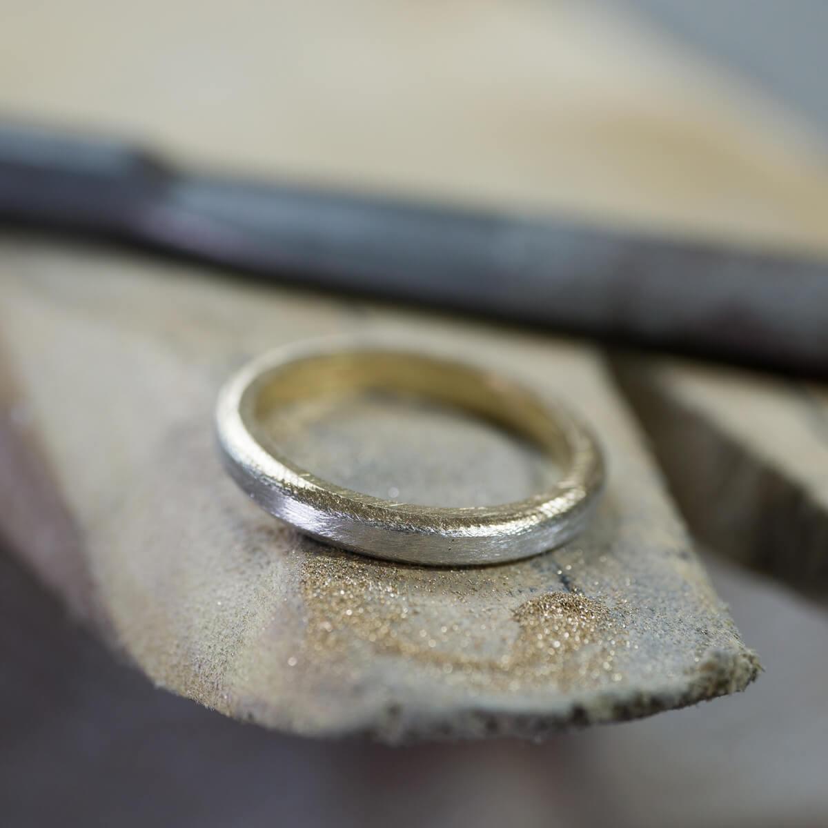 オーダーメイド結婚指輪の制作風景 ジュエリーのアトリエ  プラチナ、ゴールドのリング 屋久島でつくる結婚指輪