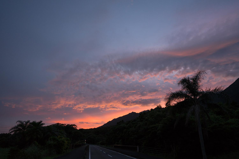 屋久島の空 夕暮れ時 屋久島日々の暮らしとジュエリー オーダーメイドマリッジリングのモチーフ