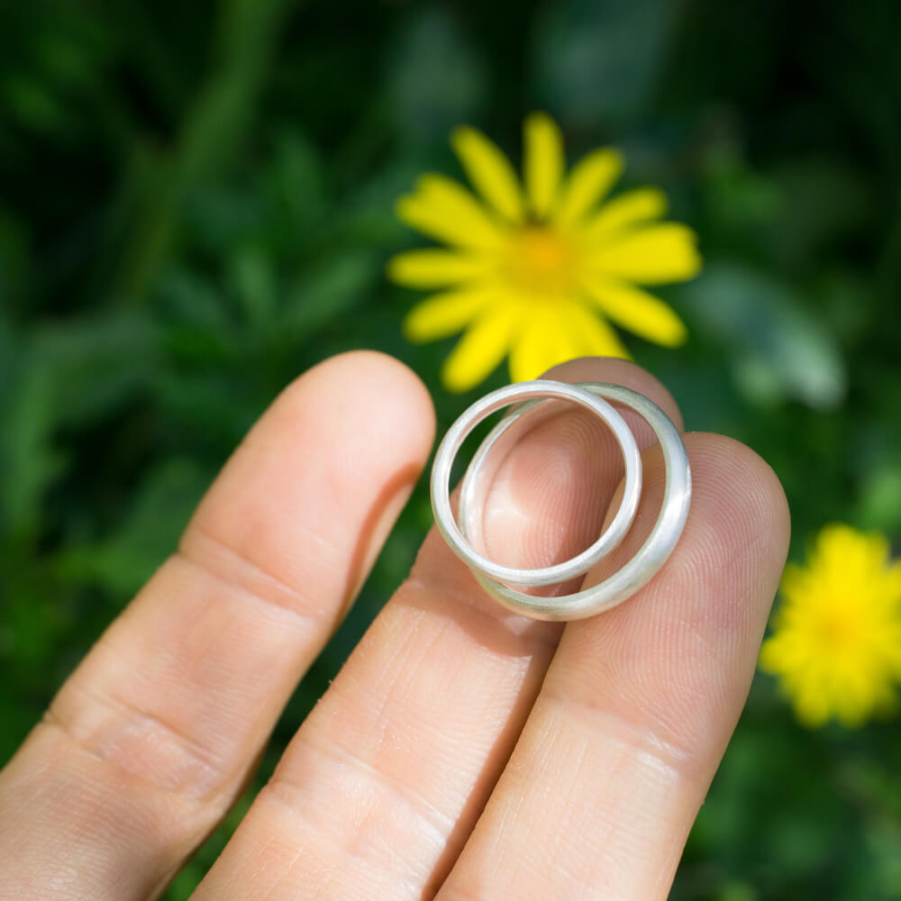オーダーメイドマリッジリングのサンプル 屋久島の緑バック シルバー 屋久島でつくる結婚指輪
