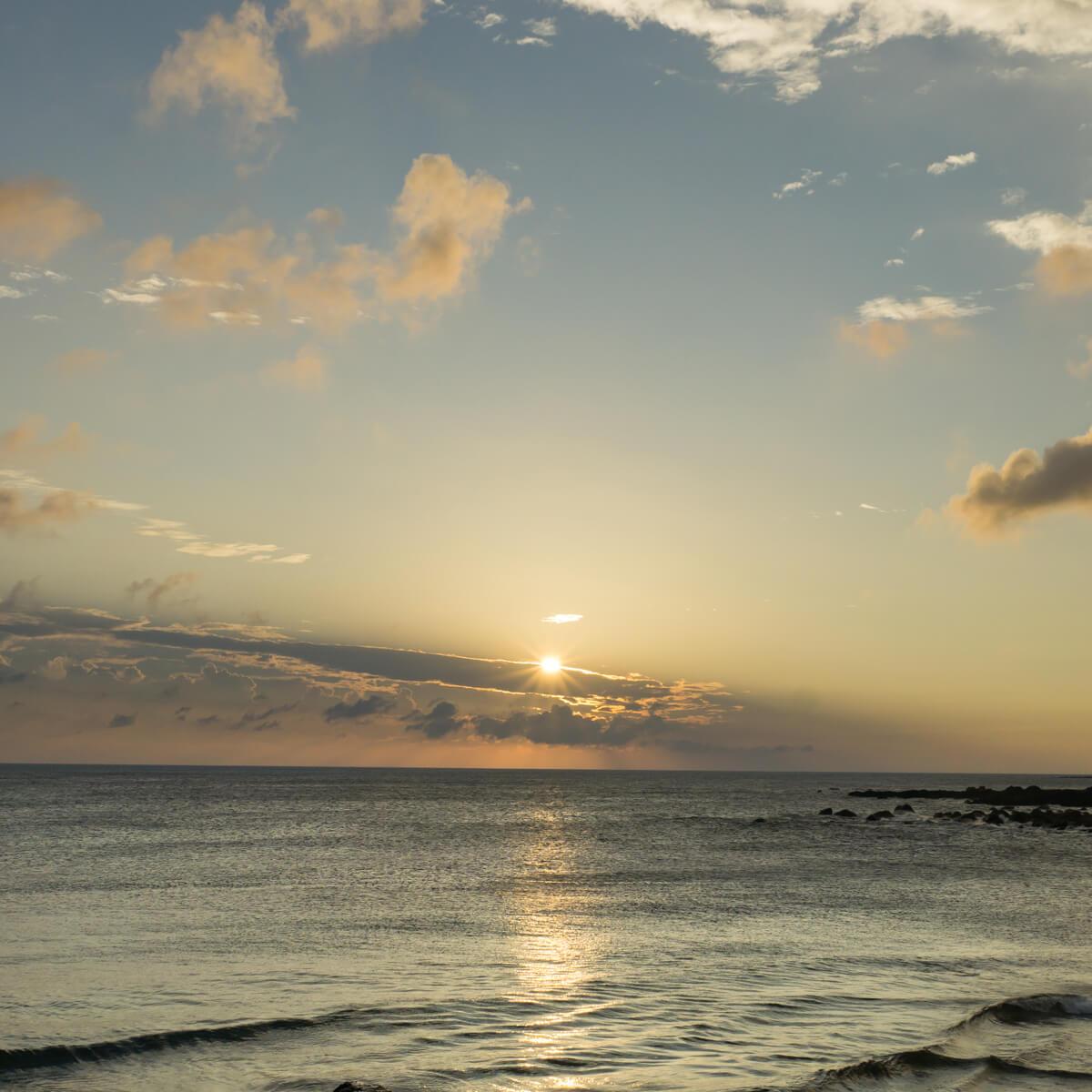 屋久島の海空 夕暮れ時 屋久島海とジュエリー オーダーメイドマリッジリングのモチーフ