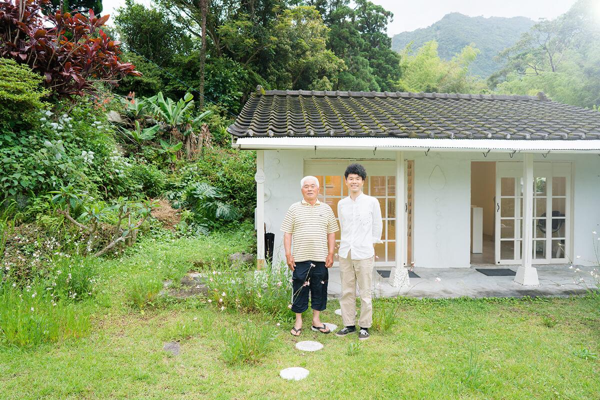 屋久島しずくギャラリー 外観 記念写真 屋久島で結婚指輪の販売、展示