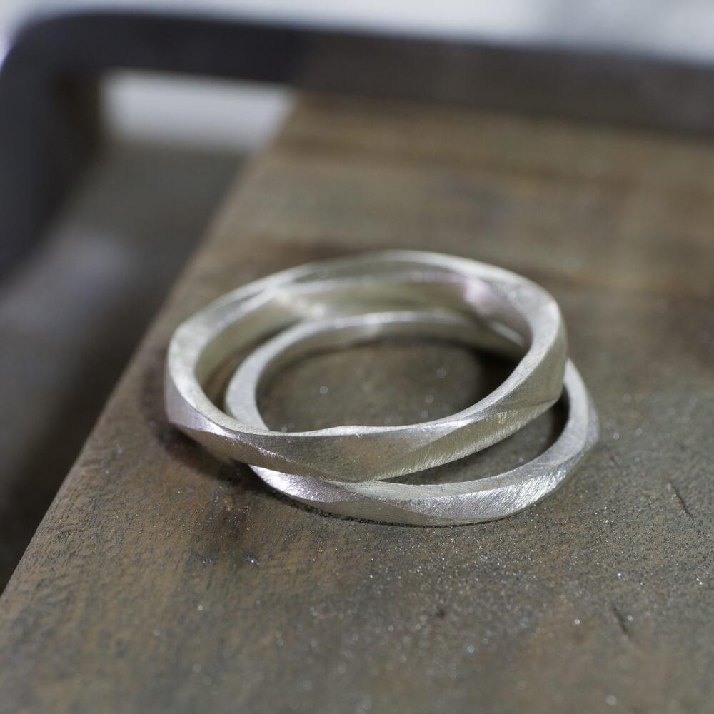 結婚指輪のサンプルリング シルバー ジュエリーのアトリエ 屋久島でつくる結婚指輪 幾何学模様デザインのマリッジリング