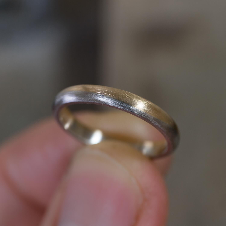 オーダーメイドマリッジリングの制作風景 ジュエリーのアトリエ 屋久島の海モチーフ プラチナ、ゴールド 屋久島でつくる結婚指輪