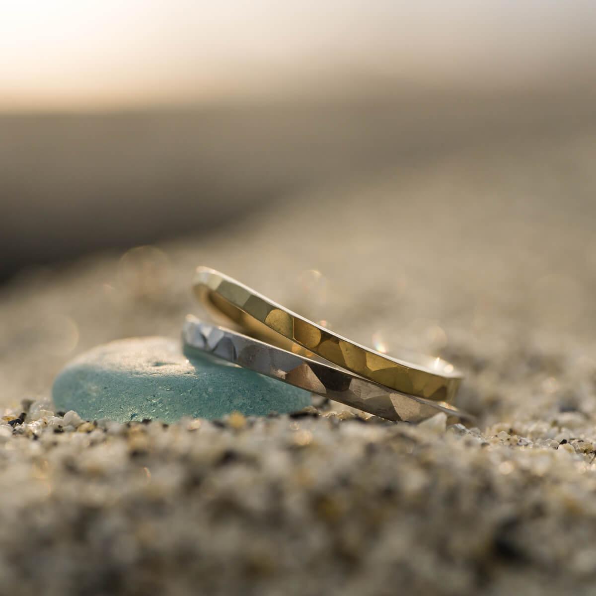 オーダーメイドマリッジリング 屋久島の浜辺で ゴールド プラチナ 屋久島の海モチーフ 屋久島でつくる結婚指輪