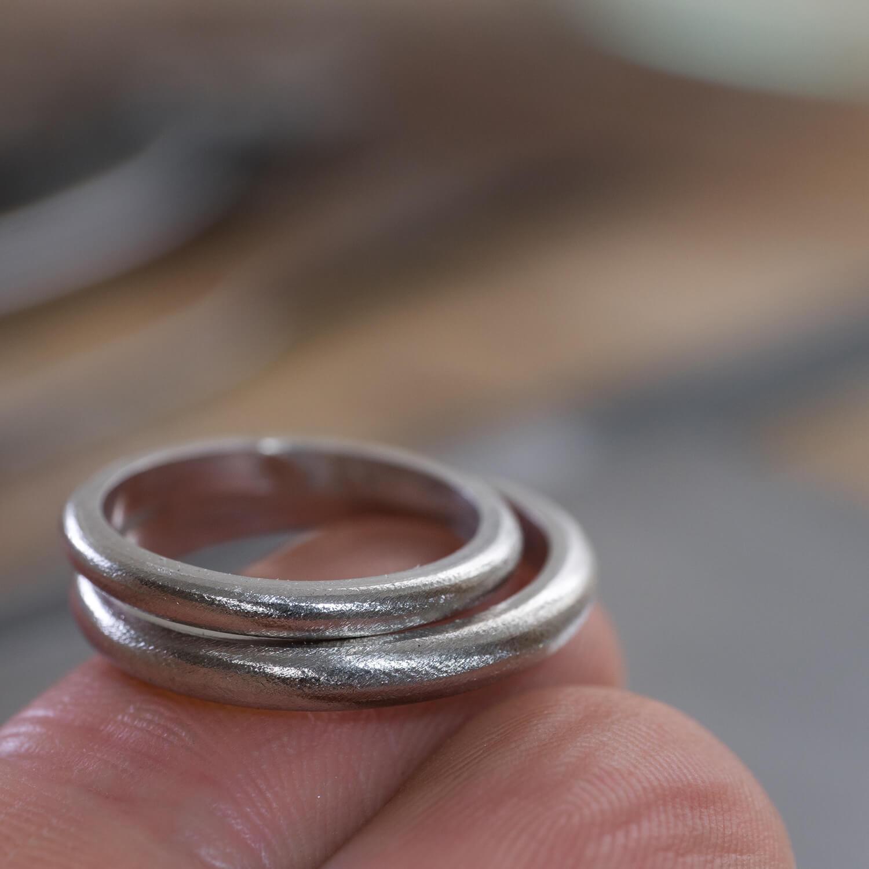 場面2 オーダーメイドマリッジリングの制作過程 屋久島ジュエリーのアトリエ プラチナ 屋久島でつくる結婚指輪