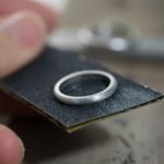 場面3 オーダーメイドマリッジリングの制作過程 屋久島ジュエリーのアトリエ プラチナ 屋久島でつくる結婚指輪