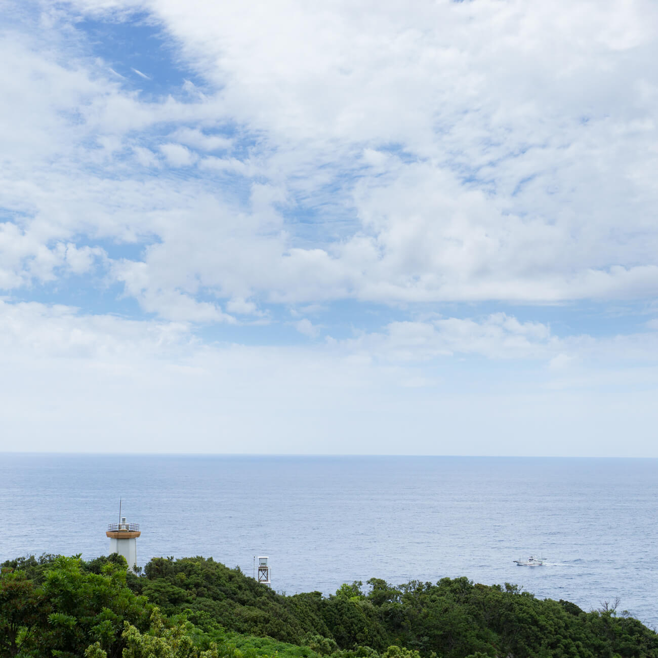 屋久島の海、空、灯台 屋久島サウスの日常 オーダーメイドマリッジリングのモチーフ