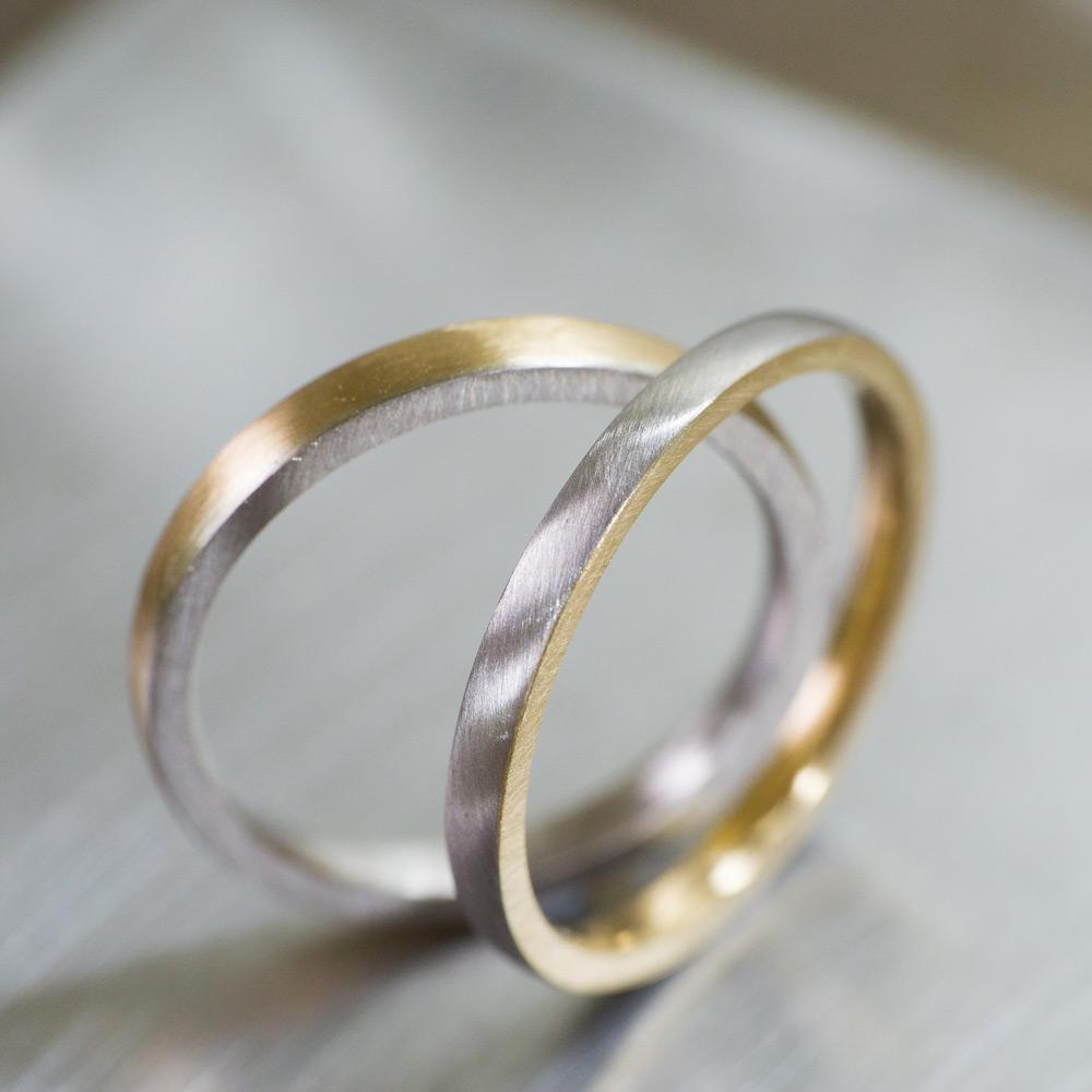 作業風景 屋久島でつくる結婚指輪 台の上 プラチナ、ゴールド