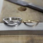 オーダーメイド結婚指輪の制作風景 ジュエリーのアトリエに指輪 ゴールド、プラチナ 屋久島でつくる結婚指輪