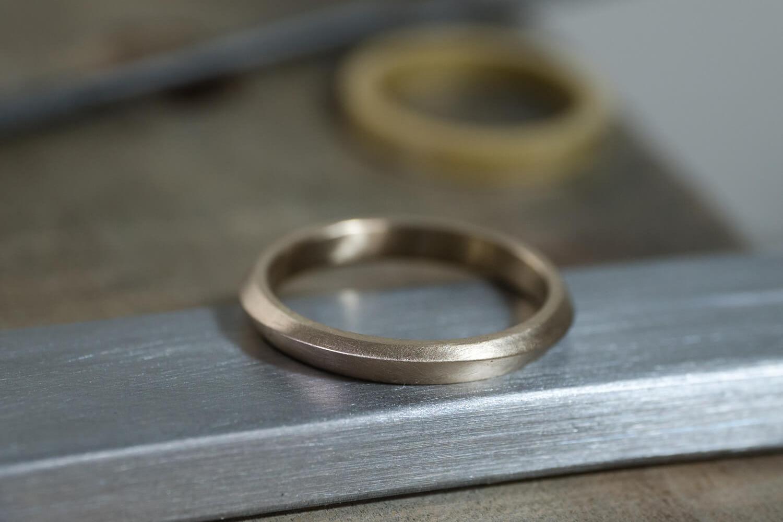 オーダーメイドマリッジリングの制作過程 屋久島ジュエリーのアトリエ ゴールドリング 屋久島の海モチーフ 屋久島でつくる結婚指輪