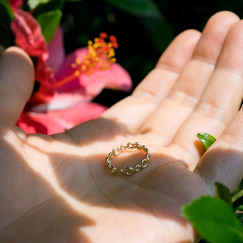 庭で オーダーメイドエンゲージリングの制作過程 屋久島ジュエリーのアトリエ ゴールド 屋久島でつくる結婚指輪