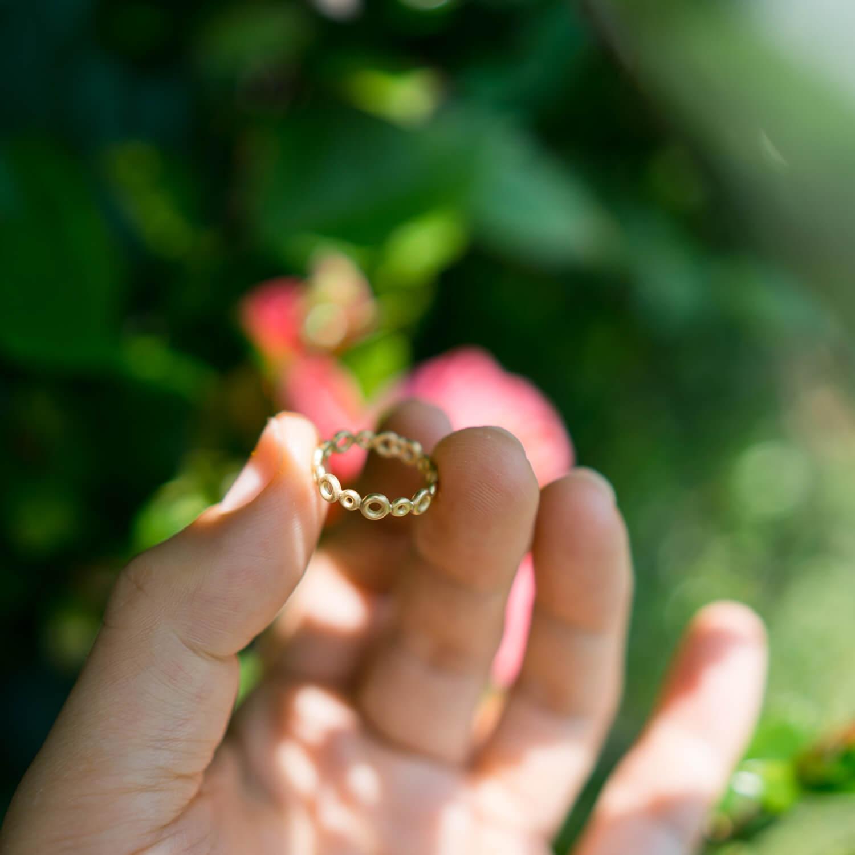 庭、角度2 オーダーメイドエンゲージリングの制作過程 屋久島ジュエリーのアトリエ ゴールド 屋久島でつくる結婚指輪