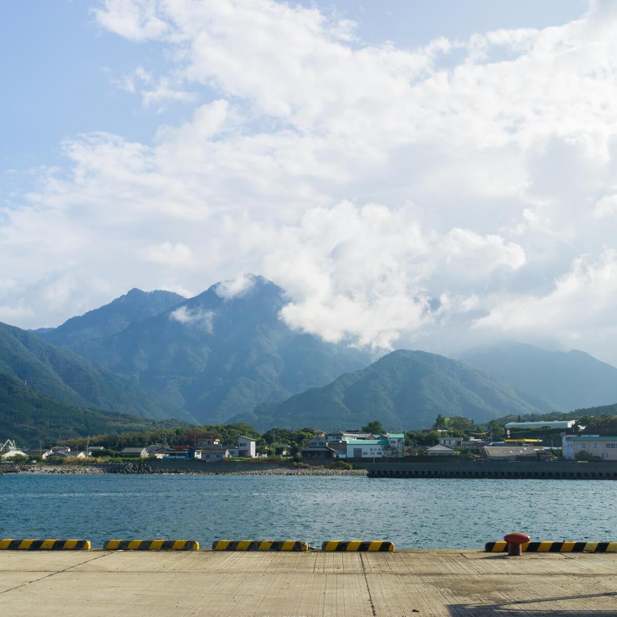 屋久島の港 山々と海とジュエリー オーダーメイドジュエリーのインスピレーション