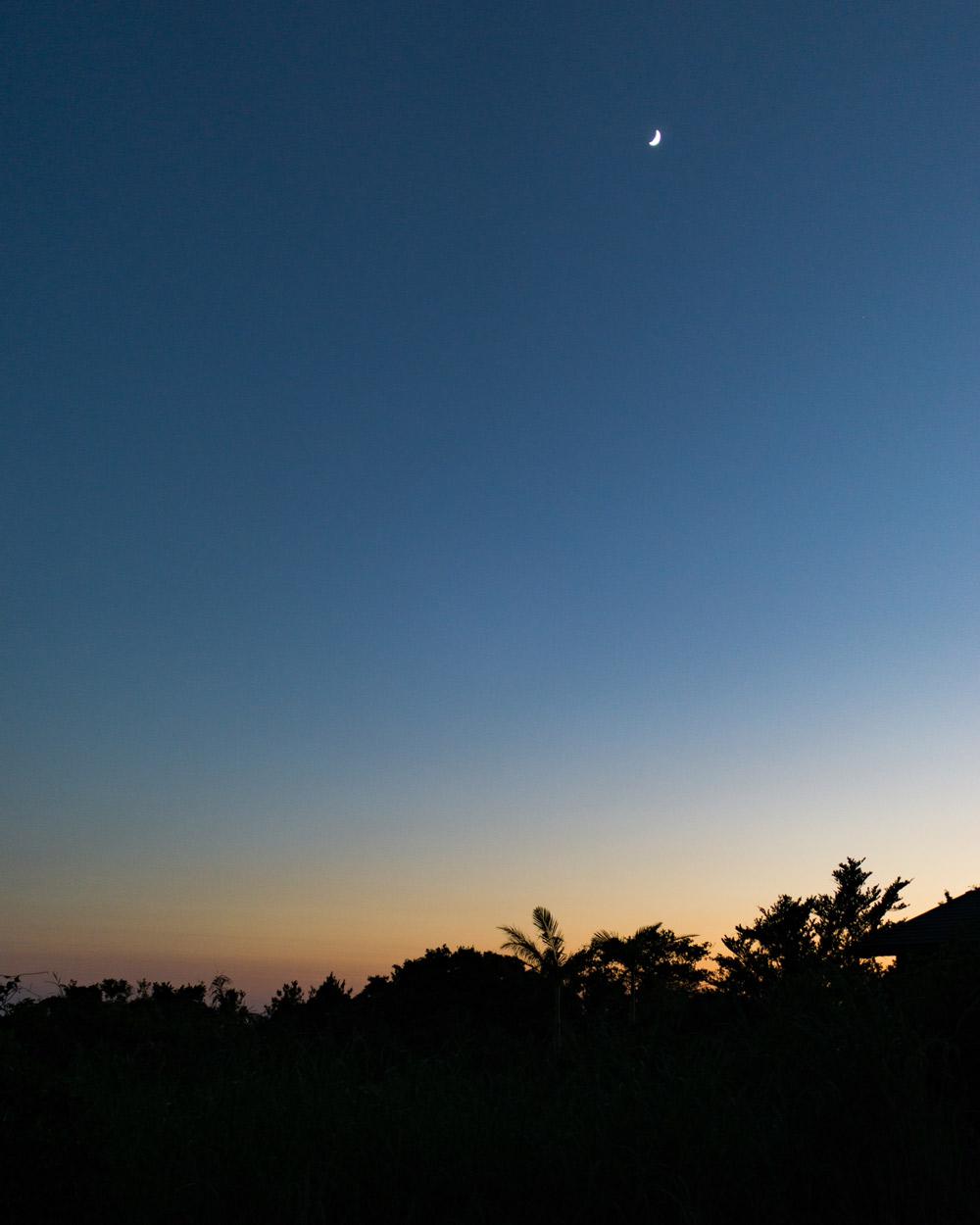 屋久島の夜空 サンセットタイム 月