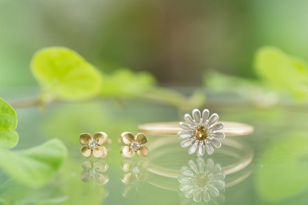 屋久島の季節にありがとう。ナノハナのピアス、ツワブキの指輪 [動画編]