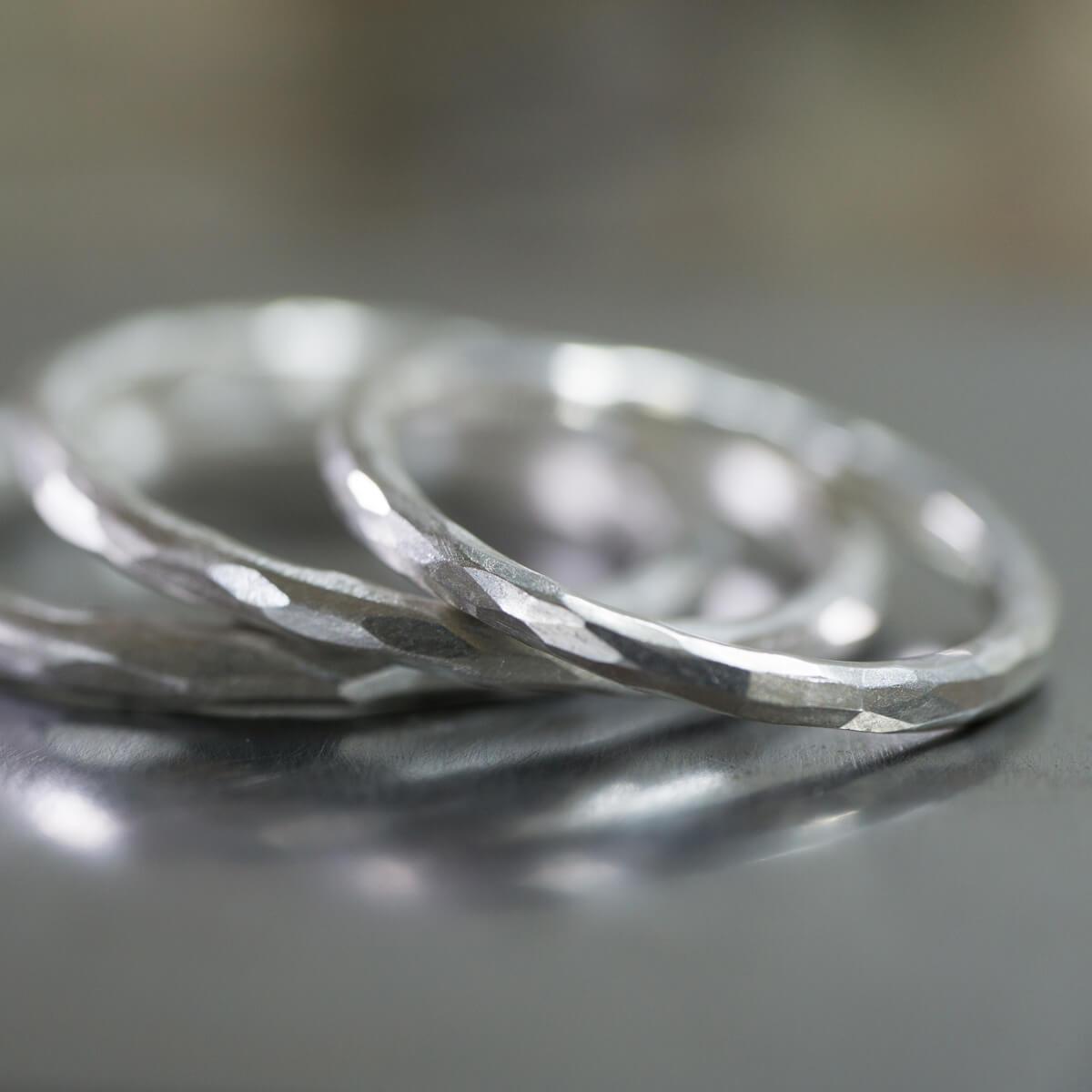 角度2 ジュエリーのアトリエにシルバーリング 結婚指輪のサンプルリング 屋久島でつくる結婚指輪