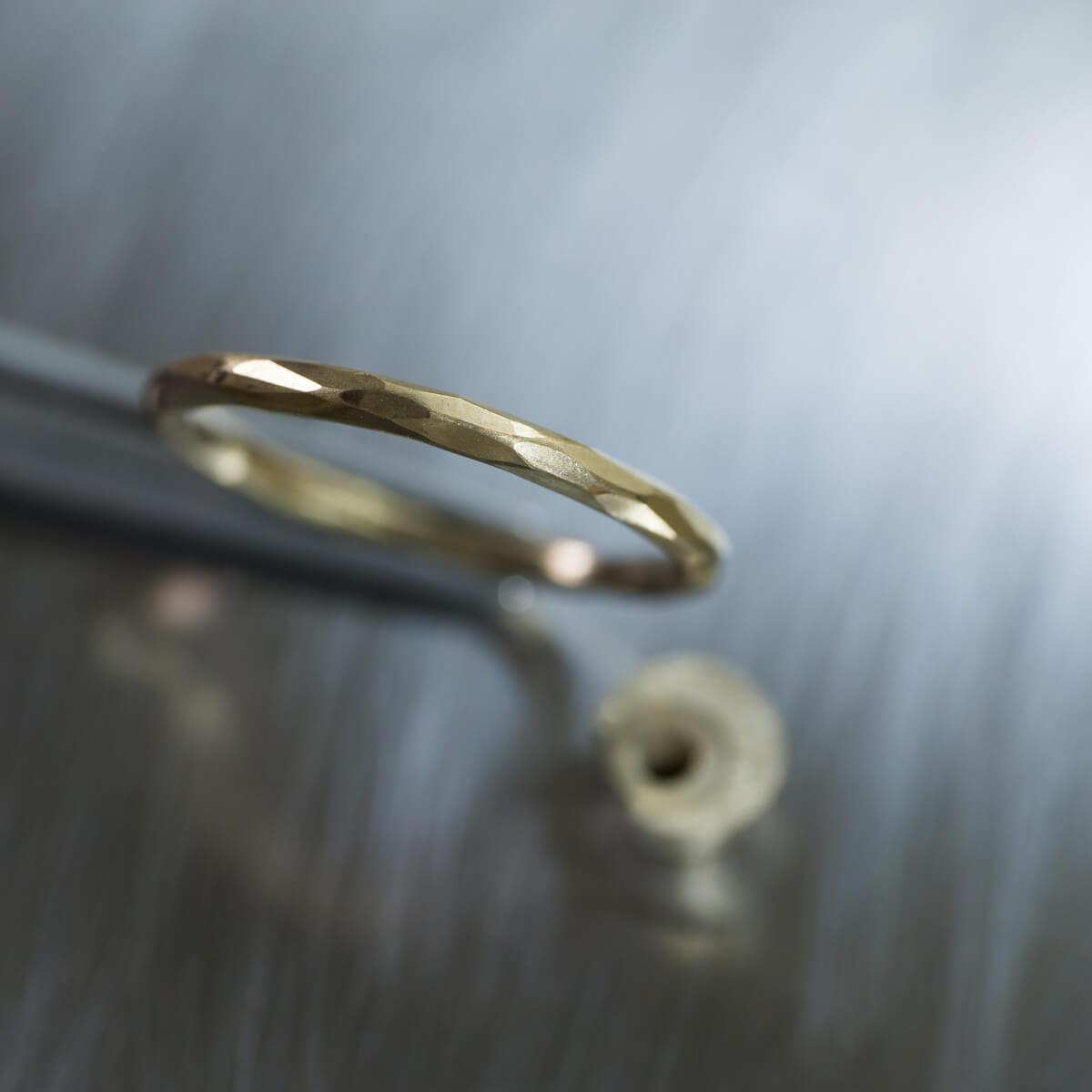 場面3 オーダーメイド結婚指輪の制作風景 ジュエリーのアトリエ シャンパンゴールド 指輪 屋久島でつくる結婚指輪