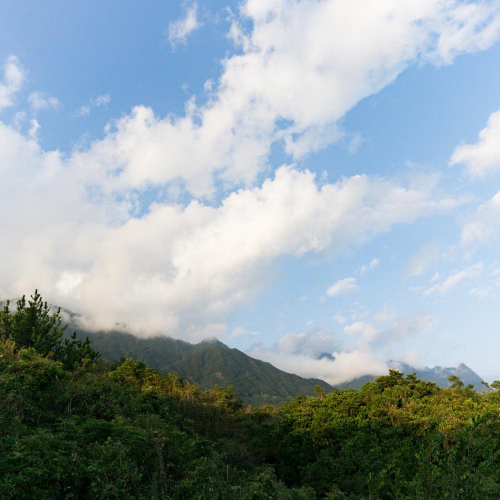 屋久島の空、山々
