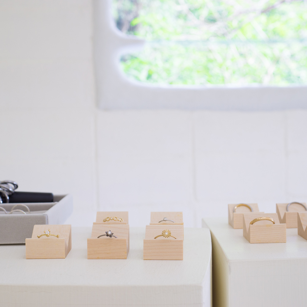 屋久島しずくギャラリー 結婚指輪の相談会会場 オーダーメイドマリッジリングのサンプル ゴールド、プラチナ、ダイヤモンド