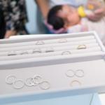 オーダーメイドマリッジリングのサンプル 奥に赤ちゃん 屋久島で作る結婚指輪