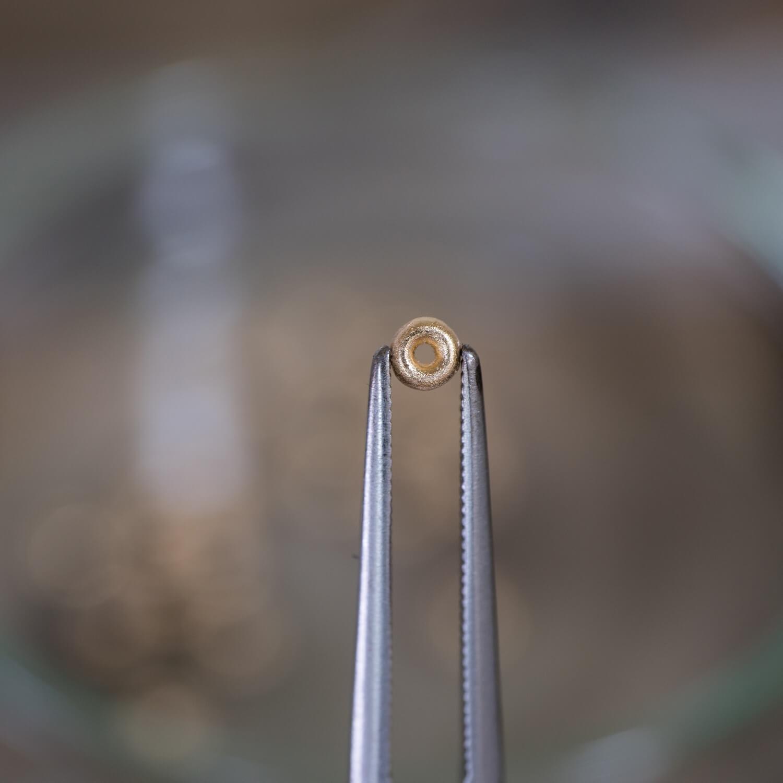 オーダーメイドエンゲージリングの制作風景 屋久島ジュエリーのアトリエ ゴールド 屋久島でつくる結婚指輪