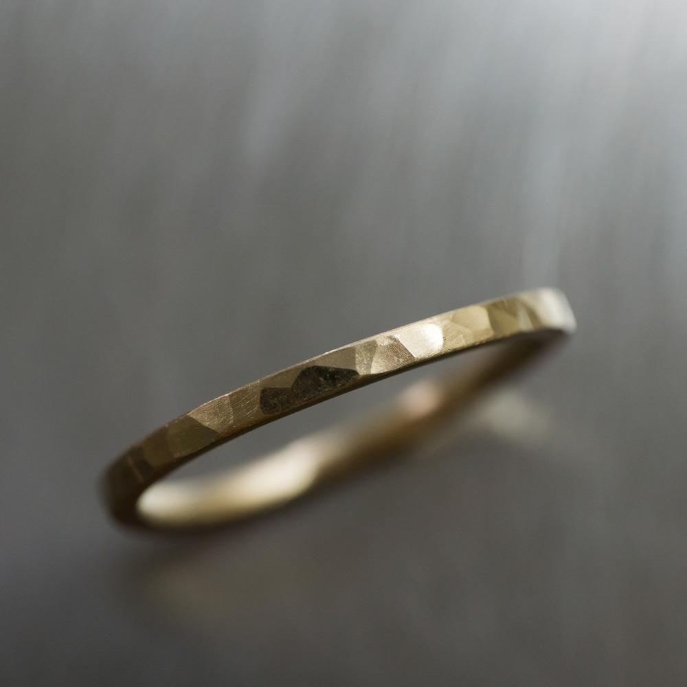 角度2 オーダーメイドマリッジリングの制作風景 ジュエリーのアトリエ ゴールド 屋久島で作る結婚指輪