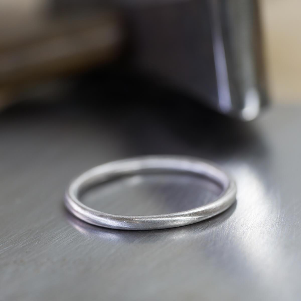 オーダーメイドマリッジリングの制作風景 ジュエリーのアトリエの指輪 プラチナリング 屋久島で行くる結婚指輪