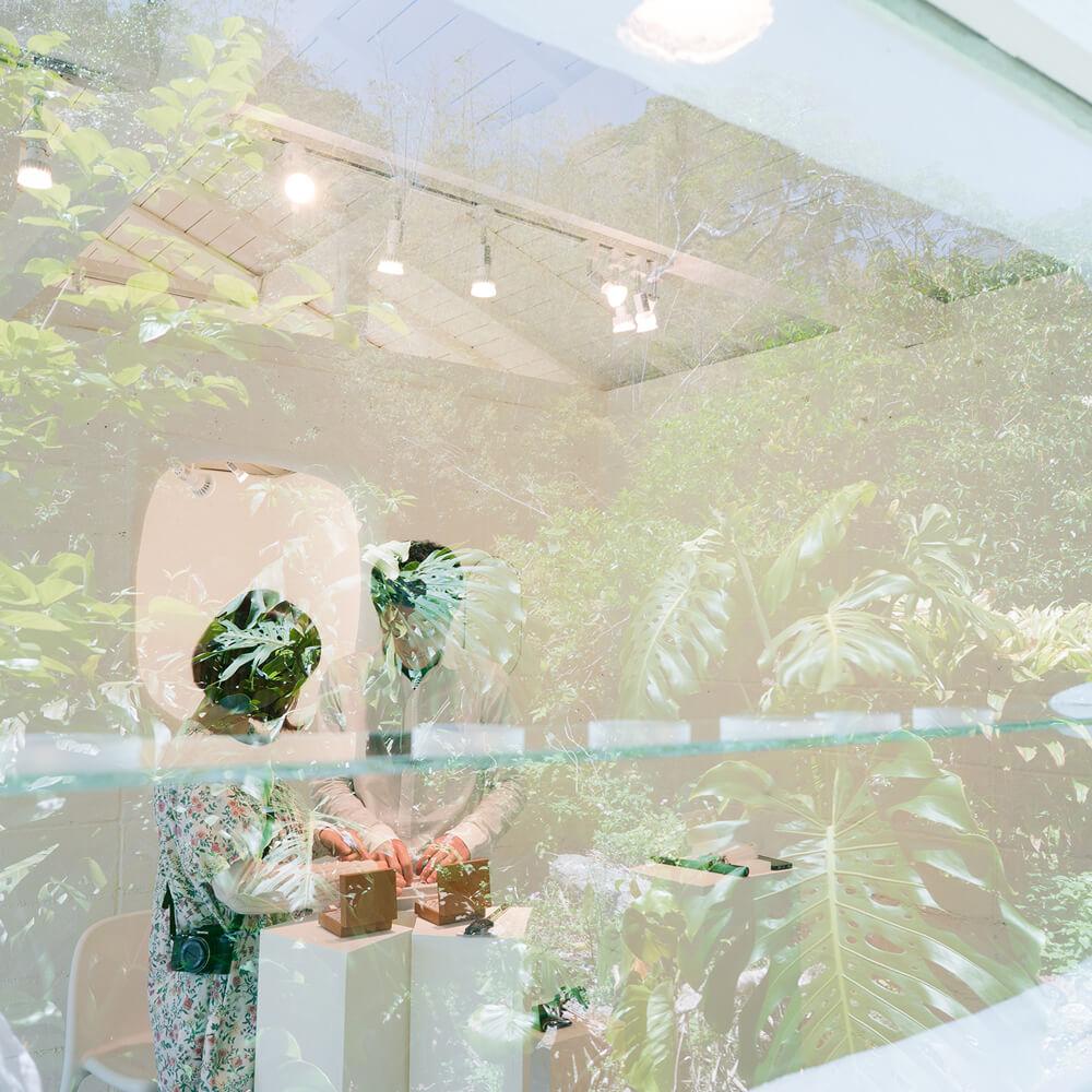 屋久島でつくる結婚指輪 オーダーメイドマリッジリングの相談会 屋久島しずくギャラリーの中