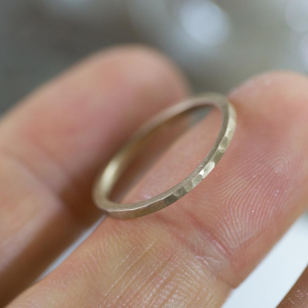 場面2 オーダーメイドマリッジリング 屋久島のアトリエ ゴールド 屋久島で作る結婚指輪