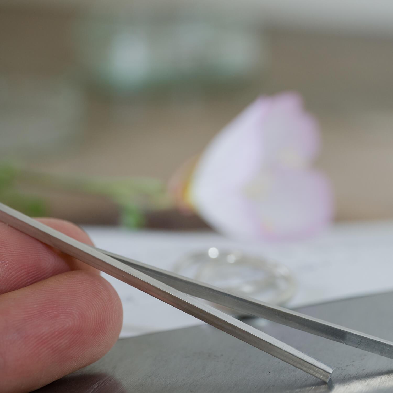 オーダーメイドマリッジリングの制作風景 屋久島ジュエリーのアトリエ プラチナ サンプルリング 屋久島のはな 屋久島でつくる結婚指輪