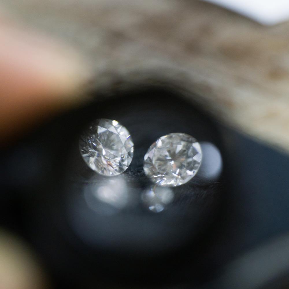 ルーペ越しのダイヤモンド 屋久島でつくる婚約指輪