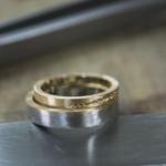 オーダーメイド結婚指輪の制作風景 ジュエリーのアトリエ 屋久島のシダモチーフ ゴールド、プラチナ 屋久島でつくる結婚指輪