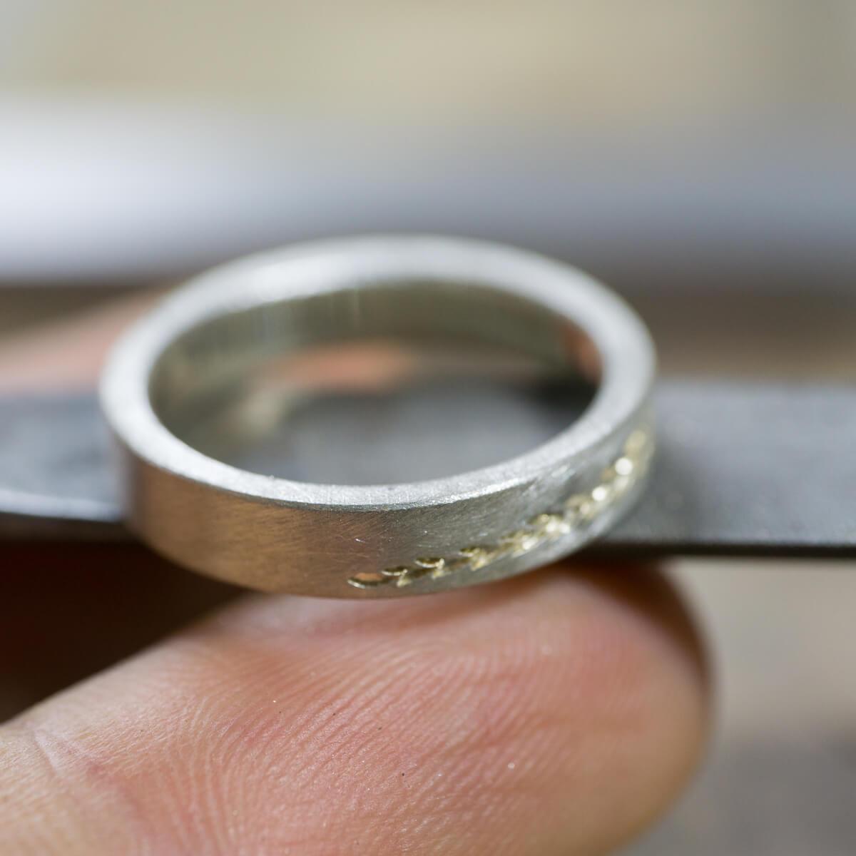 オーダーメイドマリッジリングの制作風景 ジュエリーのアトリエ 結婚指輪シルバー 屋久島のシダモチーフ 屋久島でつくる結婚指輪